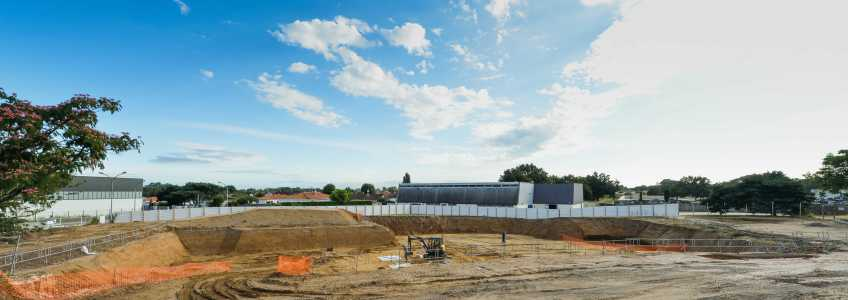 Acoba Assistance maîtrise d'ouvrage : Les travaux de reconstruction de la piscine à Ambarès-et-Lagrave se poursuivent