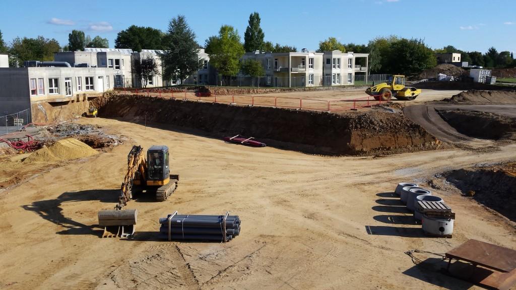 Acoba : Pose de la première pierre et début terrassement du chantier de Nogent-Le -Rotrou - 1