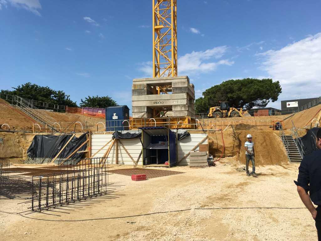 Acoba Assistance maîtrise d'ouvrage : Les travaux de reconstruction de la piscine à Ambarès-et-Lagrave se poursuivent-1