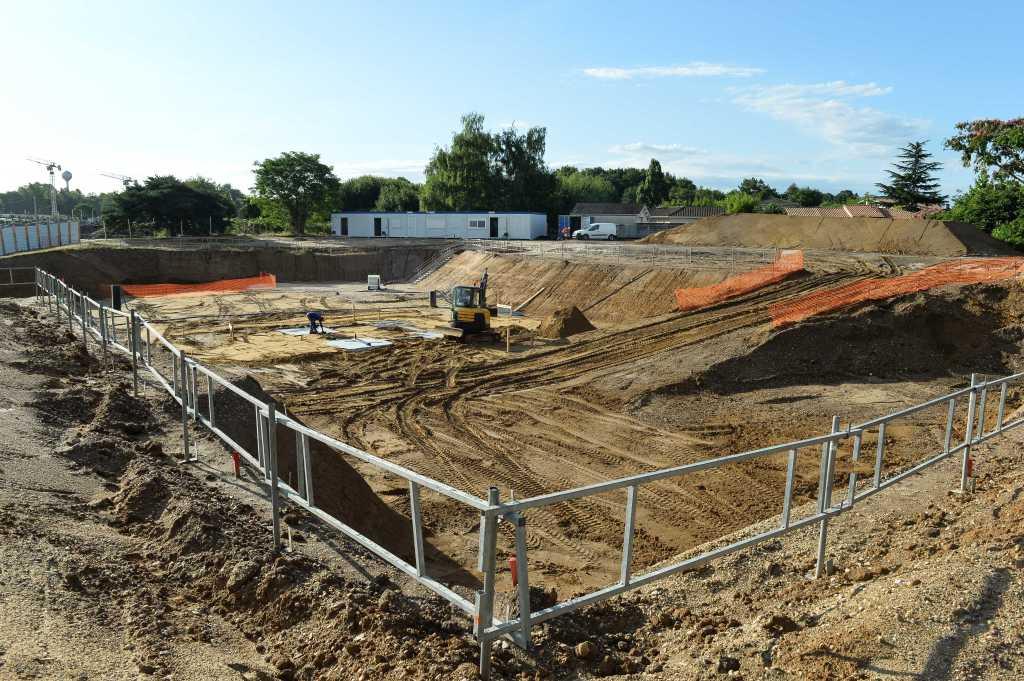 Acoba Assistance maîtrise d'ouvrage : Les travaux de reconstruction de la piscine à Ambarès-et-Lagrave se poursuivent-4